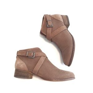 Vince Camuto Tan Brown Perforated Ankle Boots 7